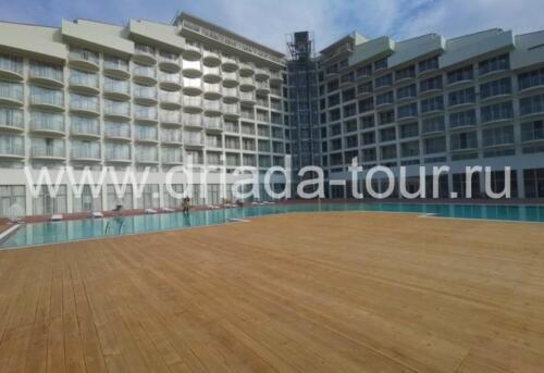 Открытый подогреваемый бассейн в отеле Европа, Гагра Абхазия